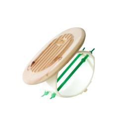Am Foto zu sehen der Federkörper von Relax 2000. Der Federkörper Relax 2000 ist aus Zirbe und hat zwei grüne Bänder montiert