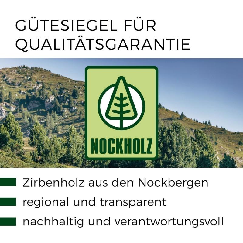 Zirbenholzbett mit Querleistenoptikkopfteil. schwebend.