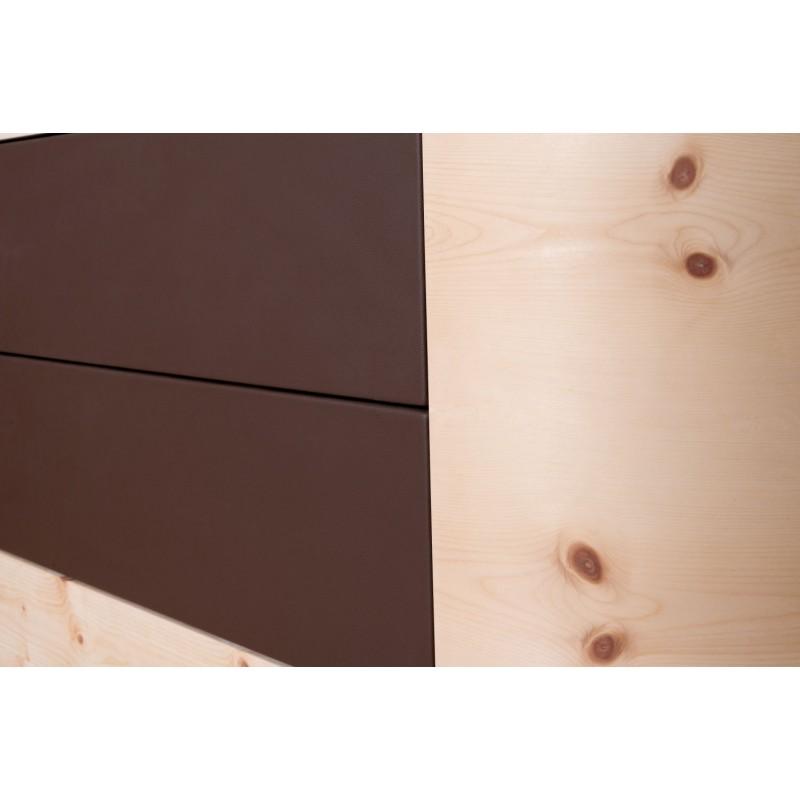 Zirbenholzkommode mit abgerundetem Design. 2 Laden mit Leder