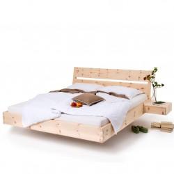 Zirbenbett mit modernem Kopfteil. schwebende Nachtkästchen. Neigung 8 Grad.
